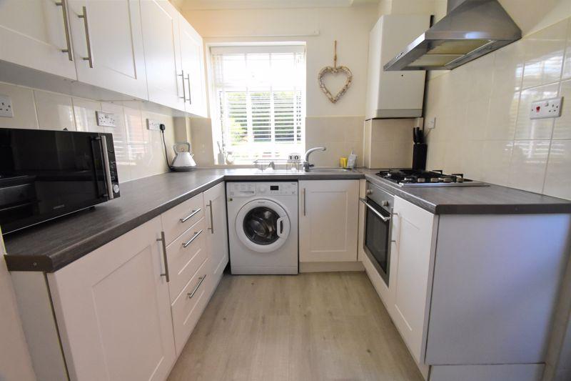 2 bedroom End Terrace to buy in Dewsbury Road, Luton - Photo 9