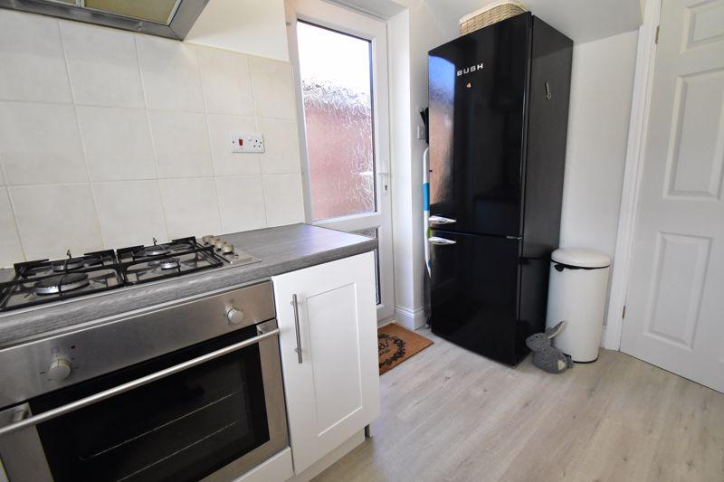 2 bedroom End Terrace to buy in Dewsbury Road, Luton - Photo 10