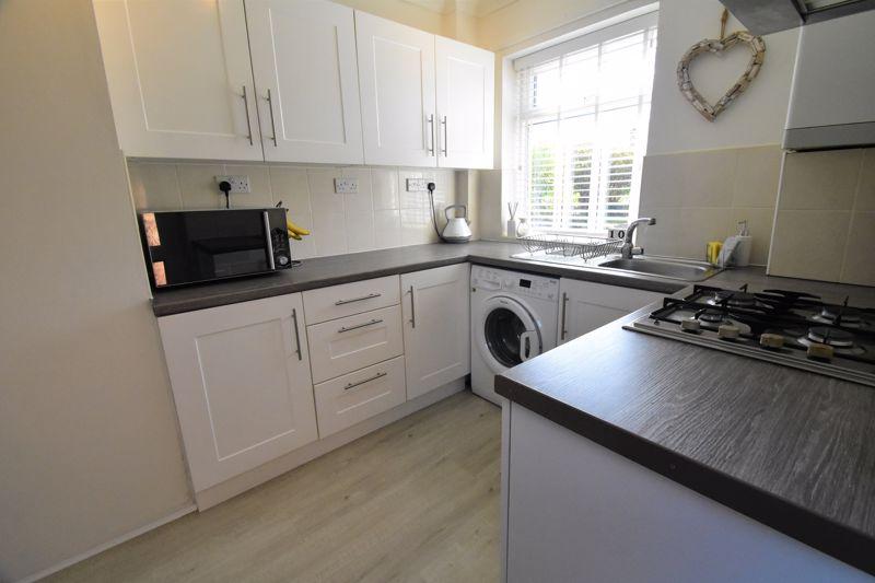 2 bedroom End Terrace to buy in Dewsbury Road, Luton - Photo 11