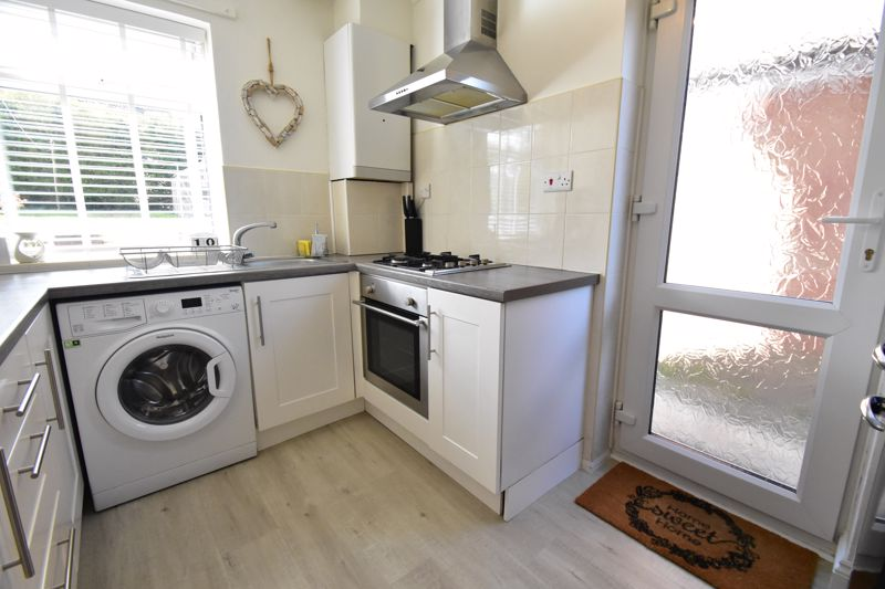 2 bedroom End Terrace to buy in Dewsbury Road, Luton - Photo 12