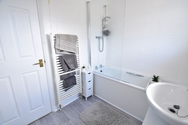 2 bedroom End Terrace to buy in Dewsbury Road, Luton - Photo 16