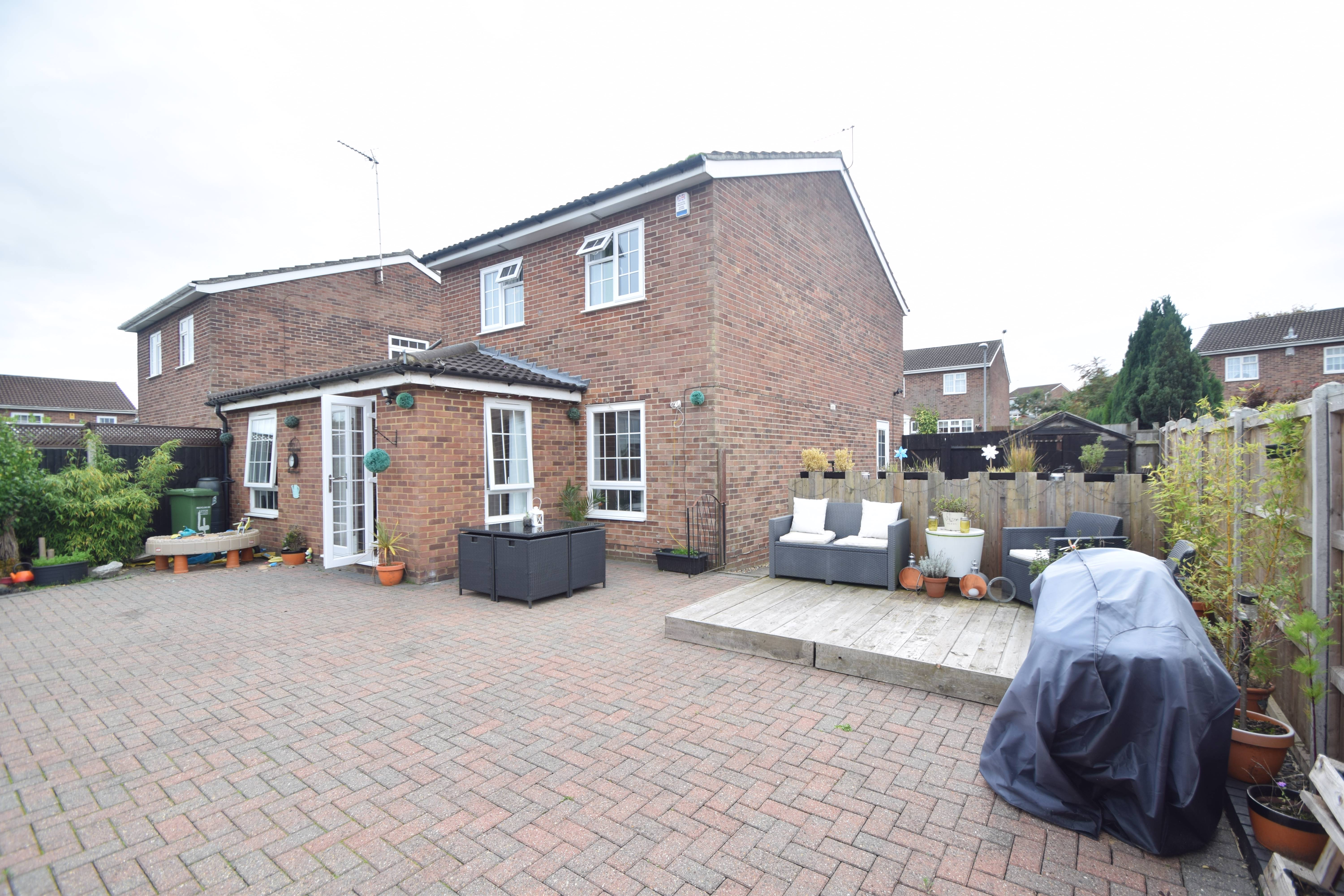 3 bedroom Detached  to buy in Barford Rise, Luton