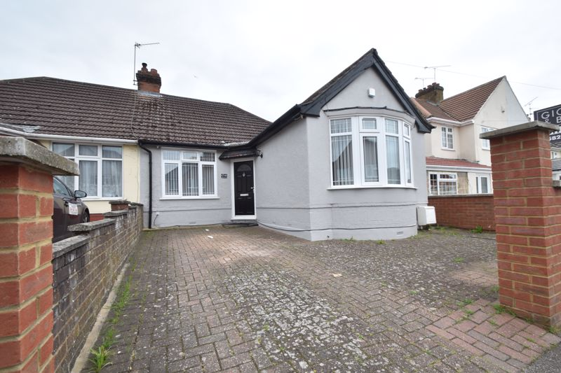 3 bedroom Bungalow to buy in Atherstone Road, Luton