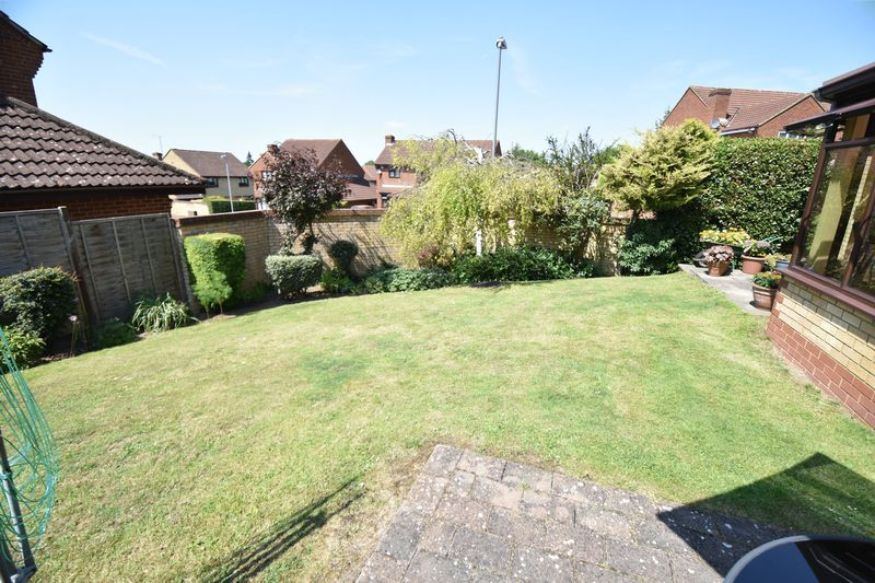 4 bedroom Detached  to buy in Lippitts Hill, Luton - Photo 11
