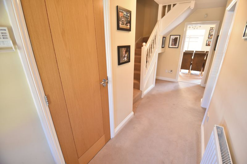 4 bedroom Detached  to buy in Lippitts Hill, Luton - Photo 15