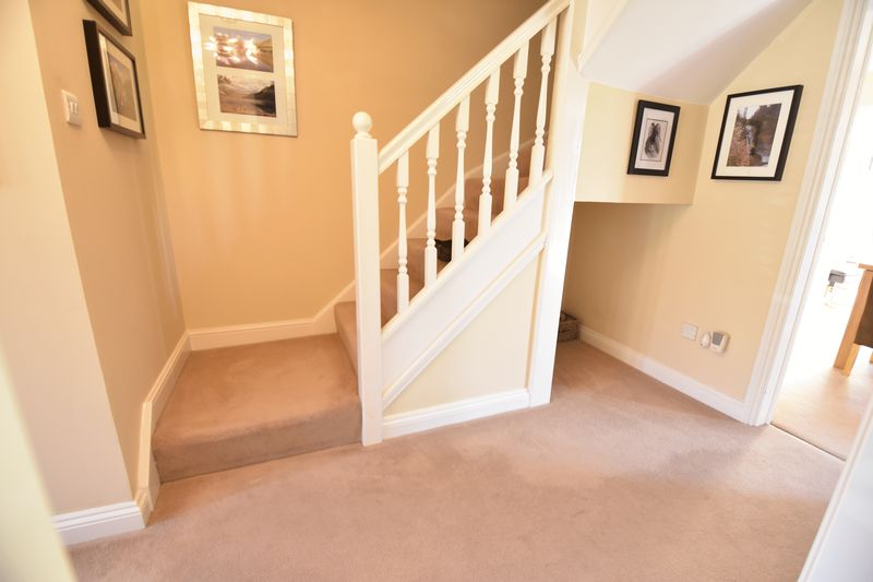 4 bedroom Detached  to buy in Lippitts Hill, Luton - Photo 16