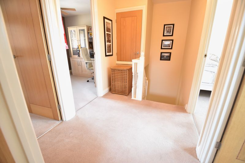 4 bedroom Detached  to buy in Lippitts Hill, Luton - Photo 25