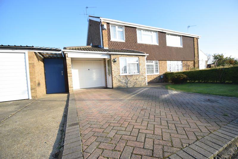 3 bedroom Semi-Detached  to buy in Ilford Close, Luton