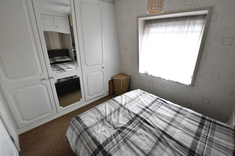 2 bedroom Flat to buy in Mill Street, Luton - Photo 5