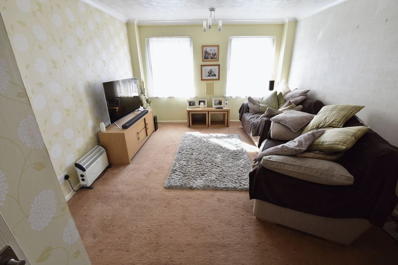 2 bedroom Flat to buy in Mill Street, Luton - Photo 8
