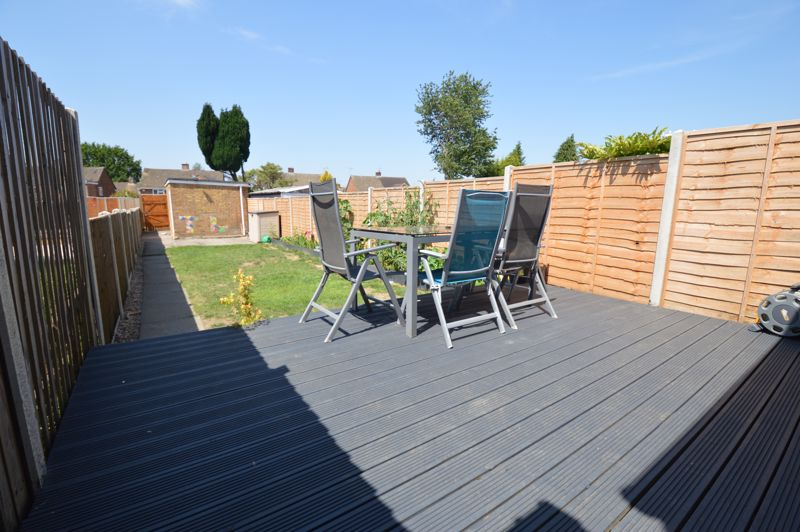 2 bedroom Mid Terrace to buy in Stapleford Road, Luton - Photo 10