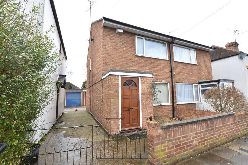 2 bedroom Semi-Detached  to buy in Dordans Road, Luton