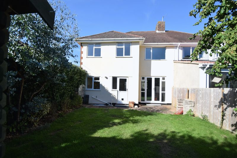 4 bedroom Semi-Detached  to buy in St. Martins Avenue, Luton