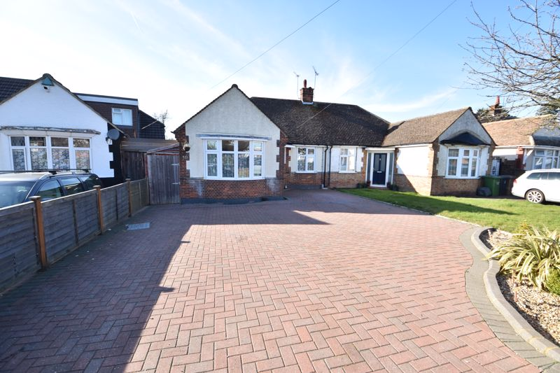 3 bedroom Semi-Detached  to buy in Hitchin Road, Luton