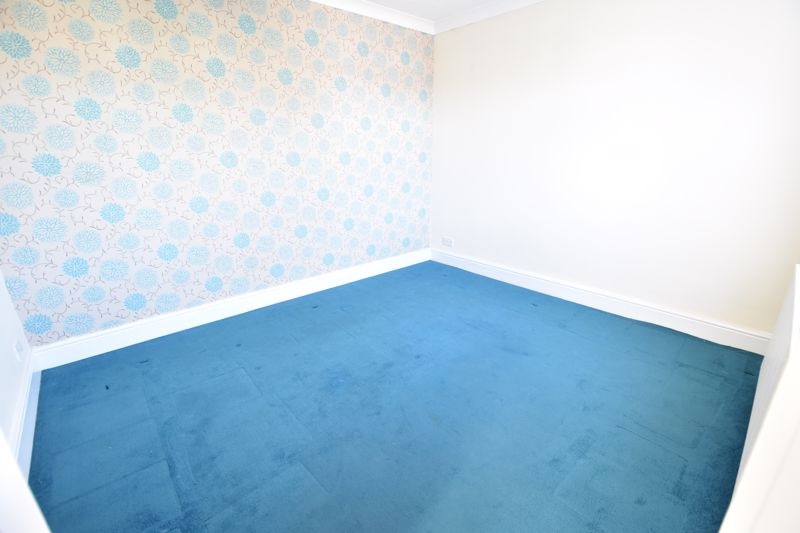 3 bedroom Semi-Detached  to buy in Hitchin Road, Luton - Photo 5
