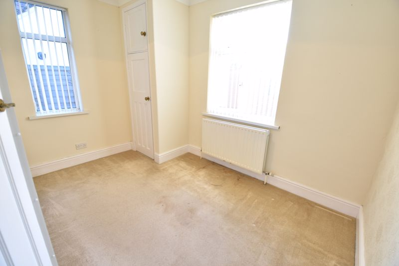 3 bedroom Semi-Detached  to buy in Hitchin Road, Luton - Photo 6