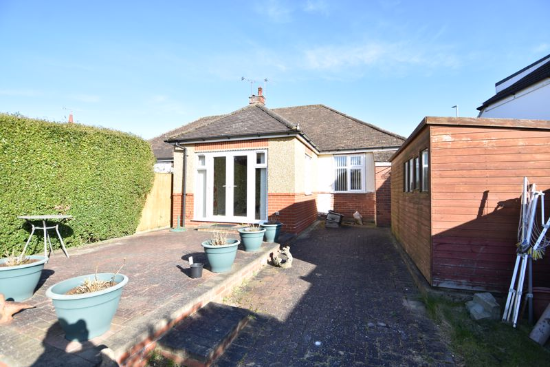 3 bedroom Semi-Detached  to buy in Hitchin Road, Luton - Photo 12