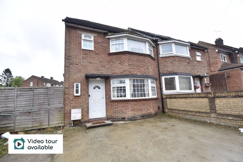 3 bedroom Semi-Detached  to rent in Meyrick Avenue, Luton