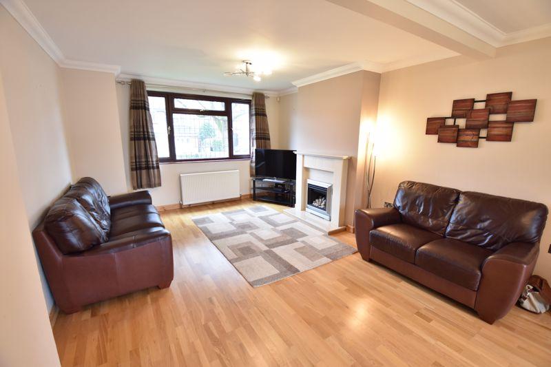 3 bedroom Semi-Detached  to rent in Manton Drive, Luton - Photo 3