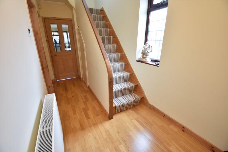 3 bedroom Semi-Detached  to rent in Manton Drive, Luton - Photo 5