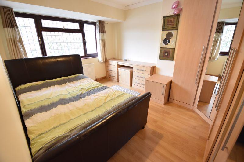 3 bedroom Semi-Detached  to rent in Manton Drive, Luton - Photo 6