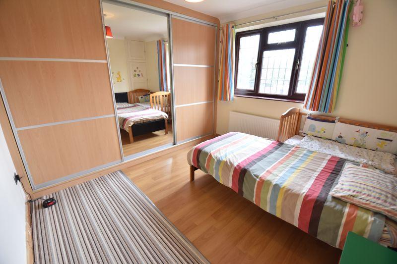 3 bedroom Semi-Detached  to rent in Manton Drive, Luton - Photo 8