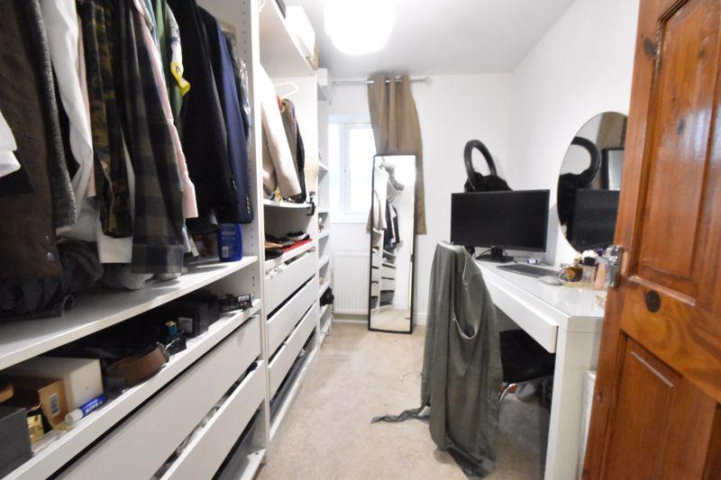 3 bedroom Mid Terrace to buy in Elm Park Close, Dunstable - Photo 10