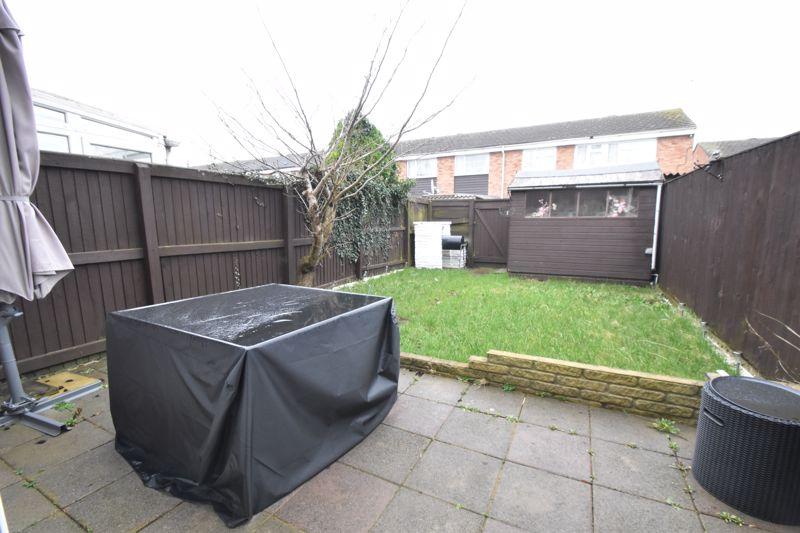 3 bedroom Mid Terrace to buy in Elm Park Close, Dunstable - Photo 15