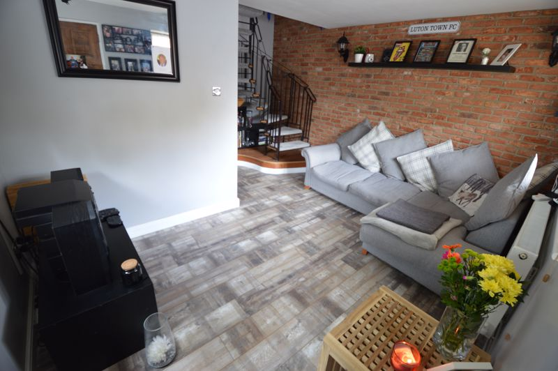 1 bedroom End Terrace to buy in Marsom Grove, Luton - Photo 2