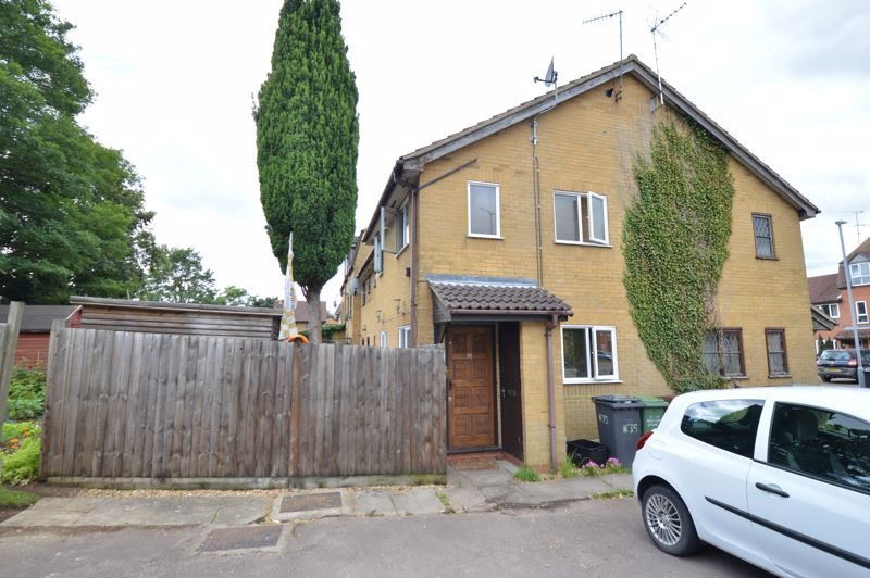 1 bedroom End Terrace to buy in Marsom Grove, Luton - Photo 1