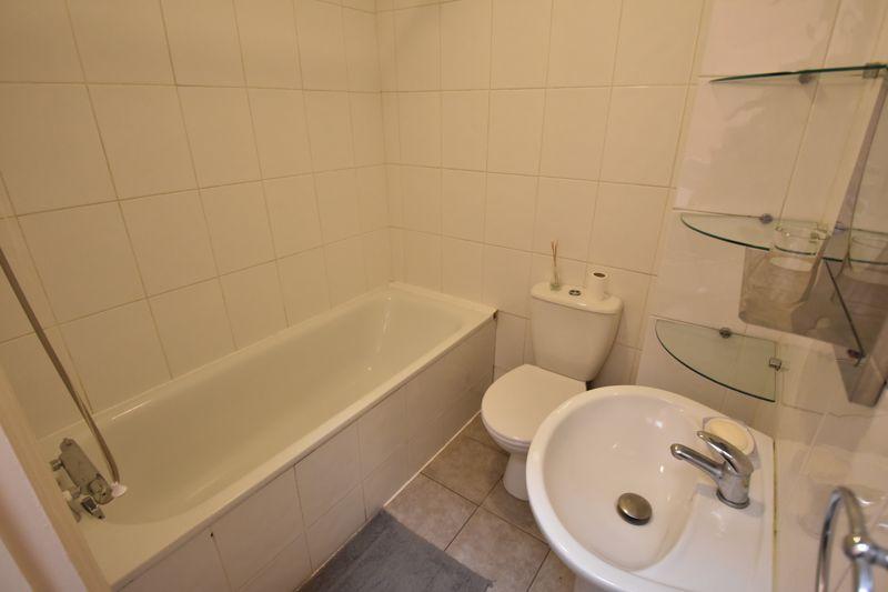 1 bedroom Flat to buy in London Road, Luton - Photo 3