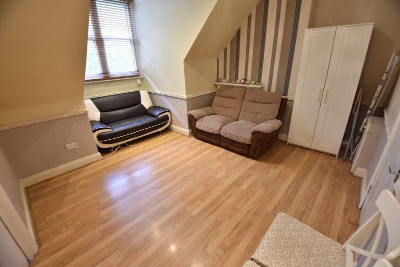 1 bedroom Flat to buy in London Road, Luton - Photo 8