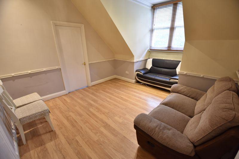 1 bedroom Flat to buy in London Road, Luton - Photo 9