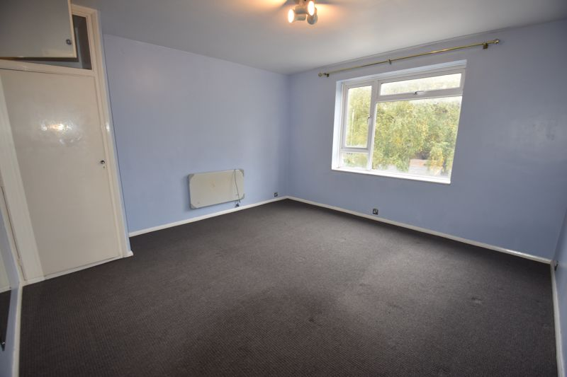 2 bedroom Flat to rent in High Street South, Dunstable - Photo 5
