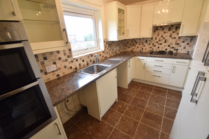 3 bedroom Flat to rent in Whipperley Way, Luton - Photo 16