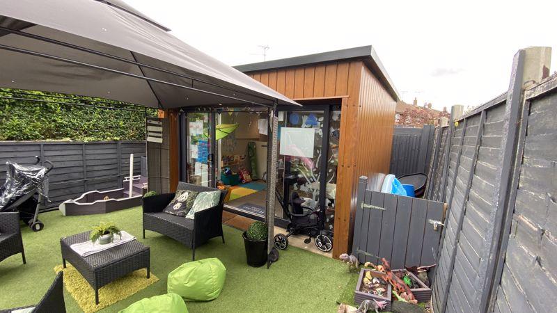 3 bedroom End Terrace to buy in Birdsfoot Lane, Luton - Photo 15