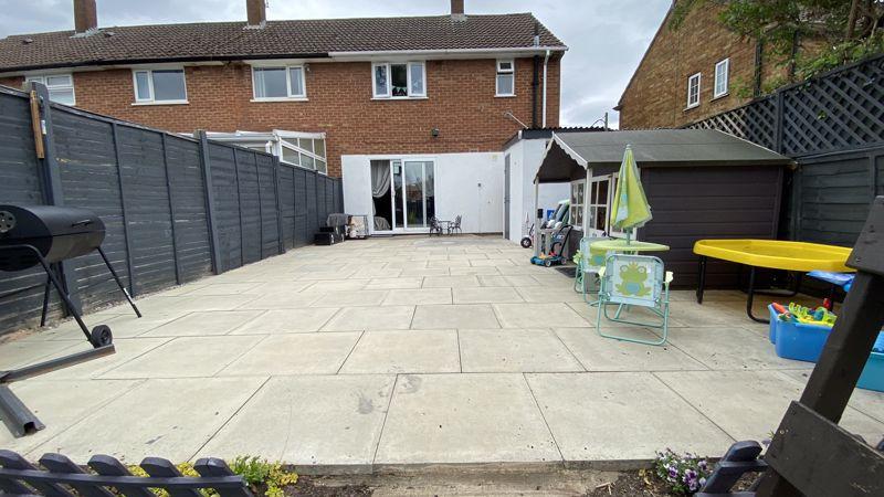 3 bedroom End Terrace to buy in Birdsfoot Lane, Luton - Photo 17