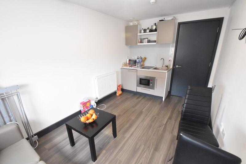 1 bedroom Flat to buy in Chapel Street, Luton - Photo 3