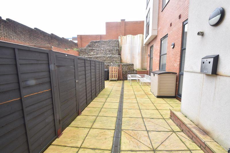 1 bedroom Flat to buy in Chapel Street, Luton - Photo 6