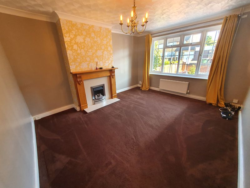 4 bedroom Semi-Detached  to rent in Buckwood Avenue, Dunstable - Photo 5