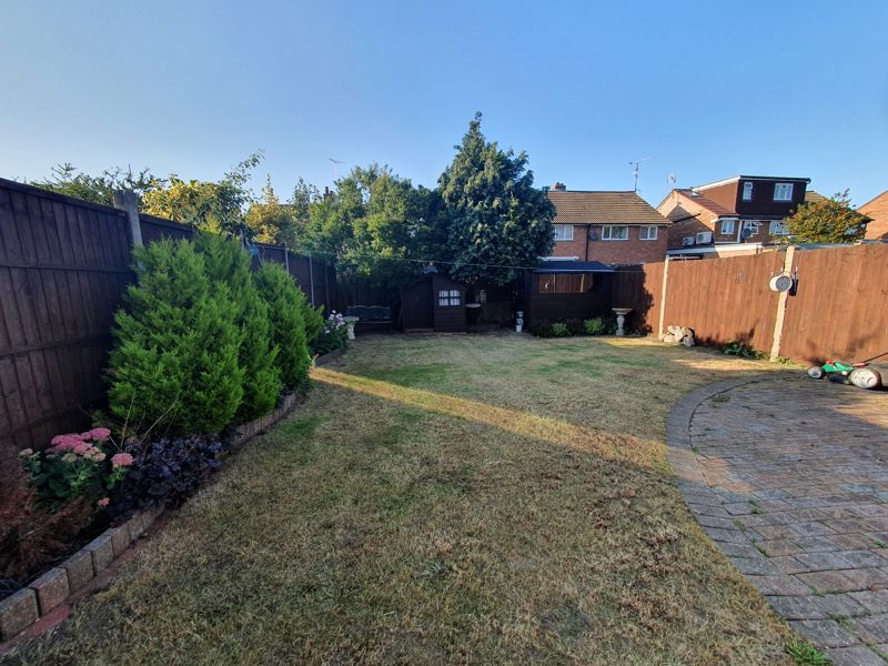 4 bedroom Semi-Detached  to rent in Buckwood Avenue, Dunstable - Photo 21