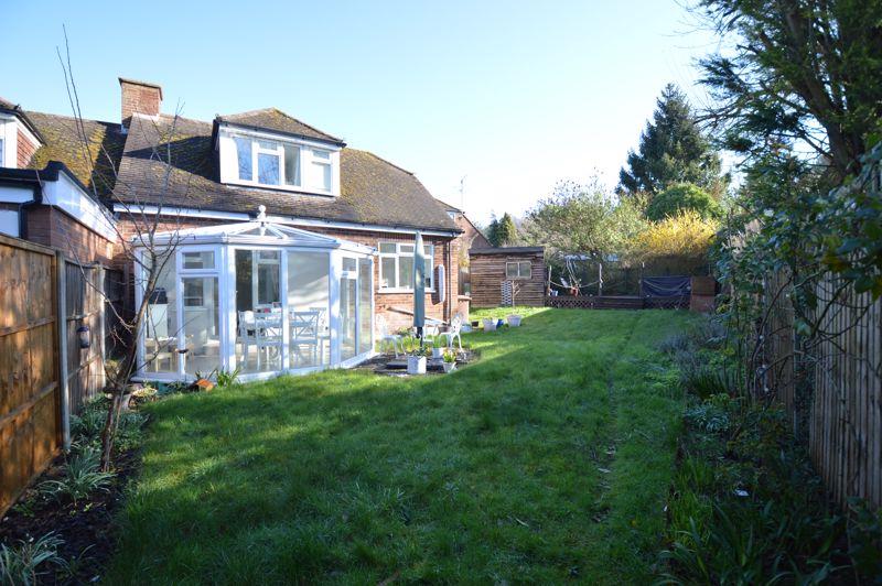 3 bedroom Semi-Detached  to buy in Alwyn Close, Luton - Photo 2