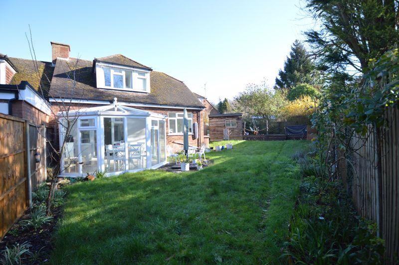 3 bedroom Semi-Detached  to buy in Alwyn Close, Luton - Photo 3