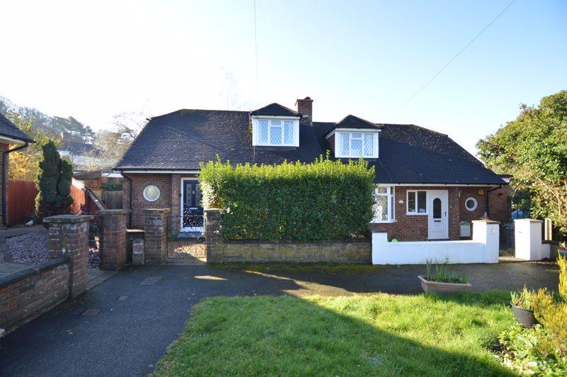 3 bedroom Semi-Detached  to buy in Alwyn Close, Luton - Photo 6