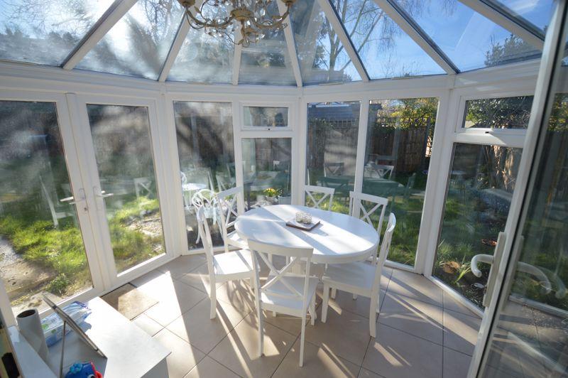 3 bedroom Semi-Detached  to buy in Alwyn Close, Luton - Photo 7