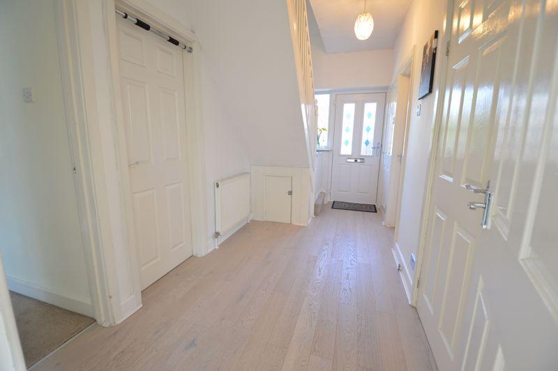 3 bedroom Semi-Detached  to buy in Alwyn Close, Luton - Photo 12