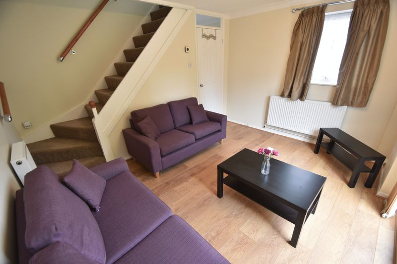 2 bedroom Mid Terrace to rent in Peregrine Road, Luton - Photo 11
