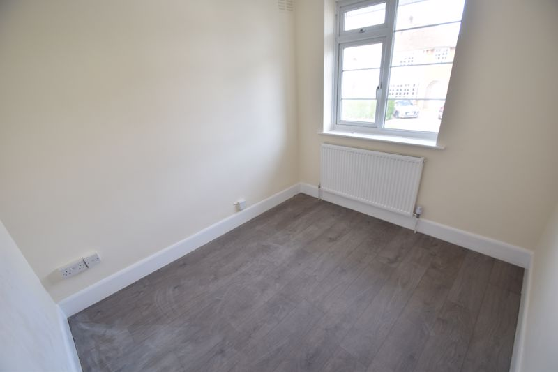 3 bedroom Semi-Detached  to rent in Hollybush Road, Luton - Photo 1