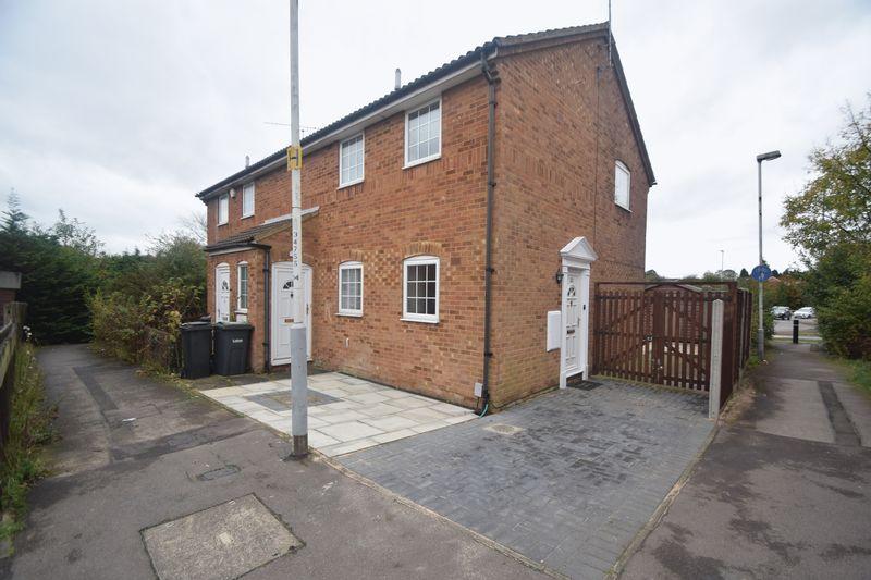 1 bedroom Maisonette to buy in Felton Close, Luton