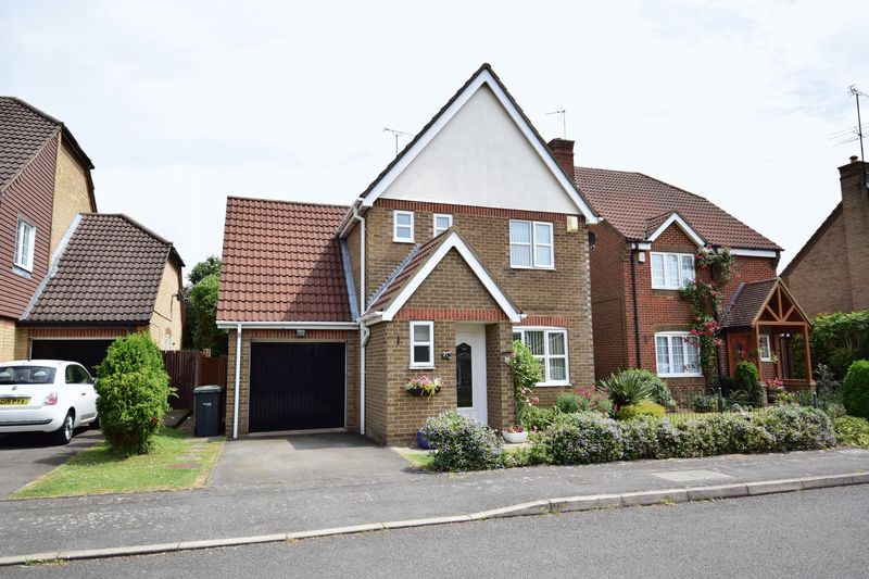 3 bedroom Detached  to buy in Danvers Drive, Luton